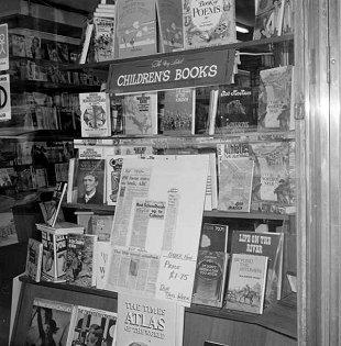H95.56/304 Collins Book Depot
