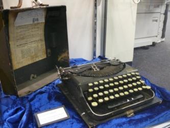 Typewriter belonging to Gavin Walkley; Image source: UniSA Library