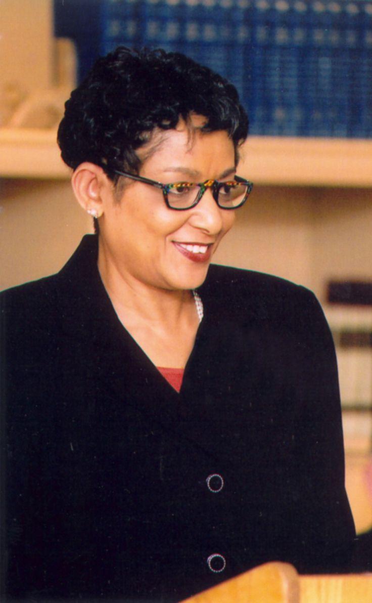 Dean Carolyn Allen