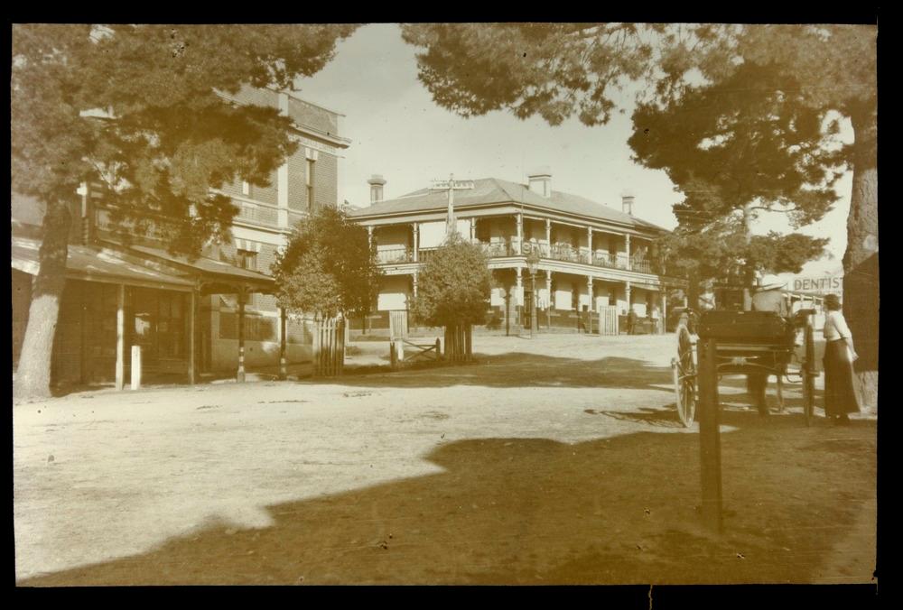 Exchange Ryan's Hotel, Alexandra district