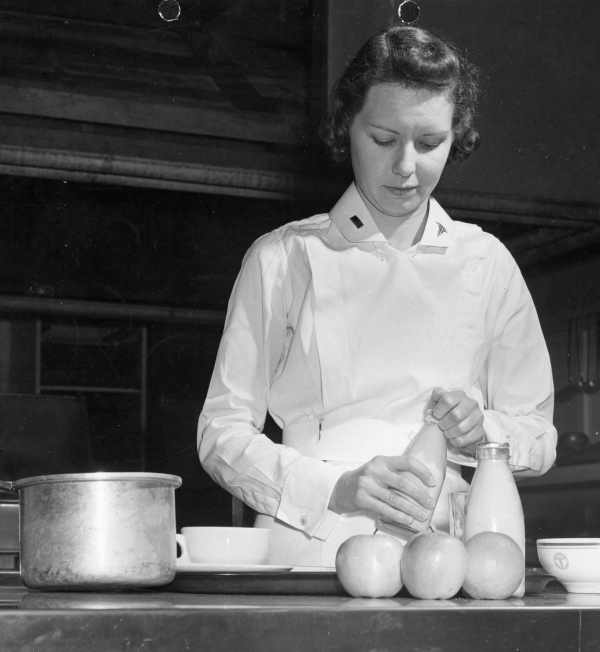2nd Lt. Mary F. McLaughlin ... prepares a special diet. Argus Collection
